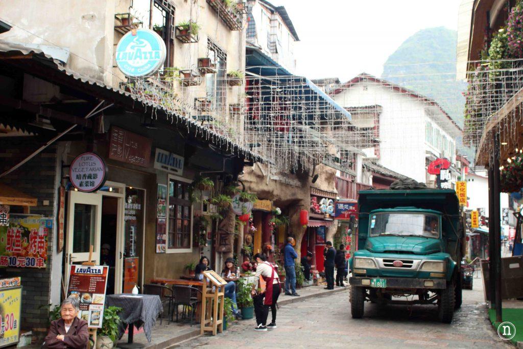 Paseando por Yangshuo.