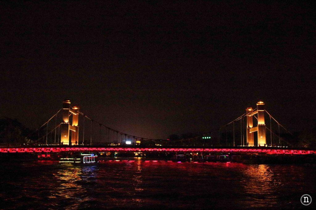 puente iluminado en guilin