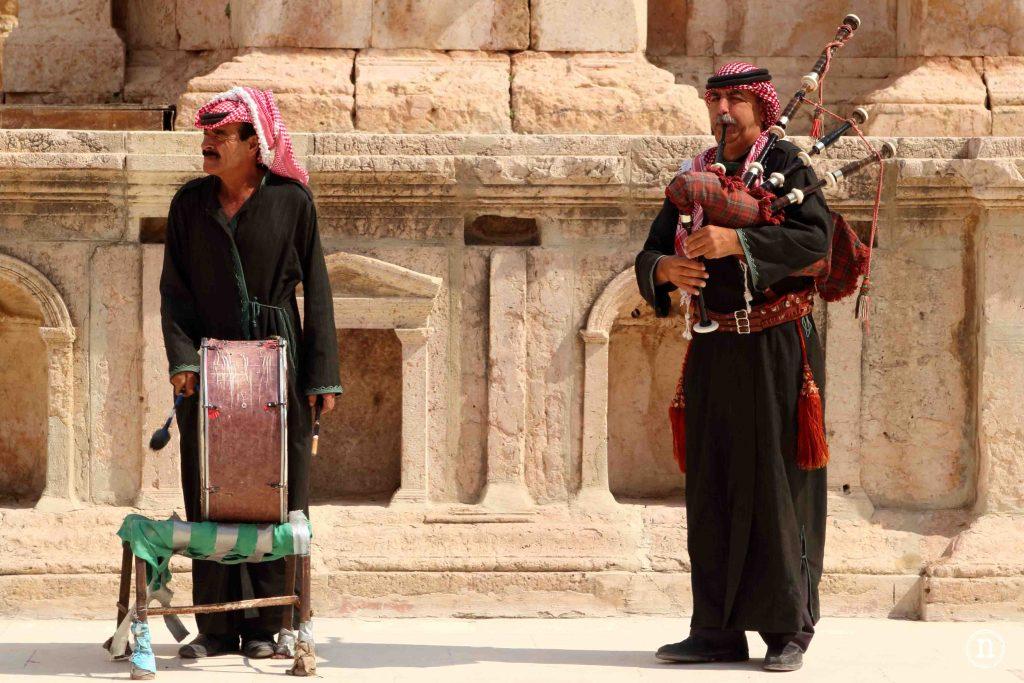musicos en teatro Jerash