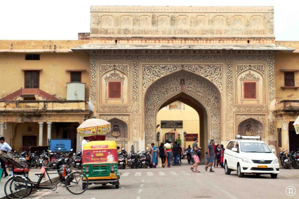 entrada al city palace jaipur
