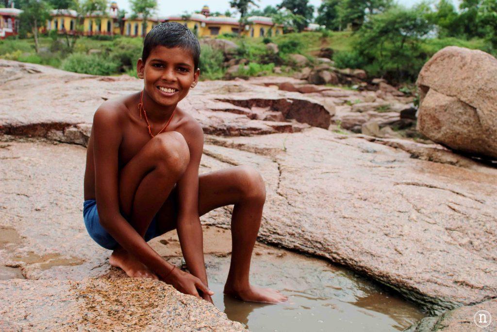niño pescador orchha